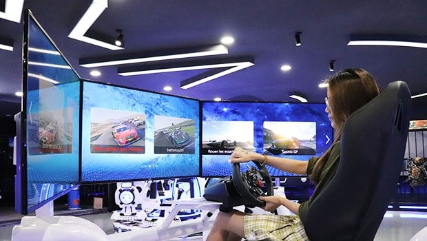 displayer racing machine